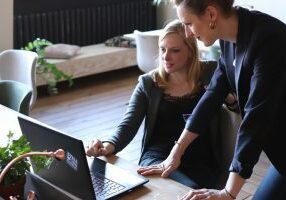 10 ulkoistettavaa asiaa joiden avulla yrittäjä säästää aikaa