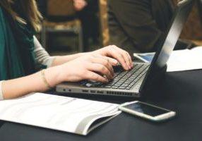 Miten ajastat blogipostauksen etukateen